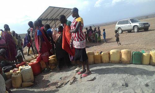 Kenya - Isinon lots of jugs